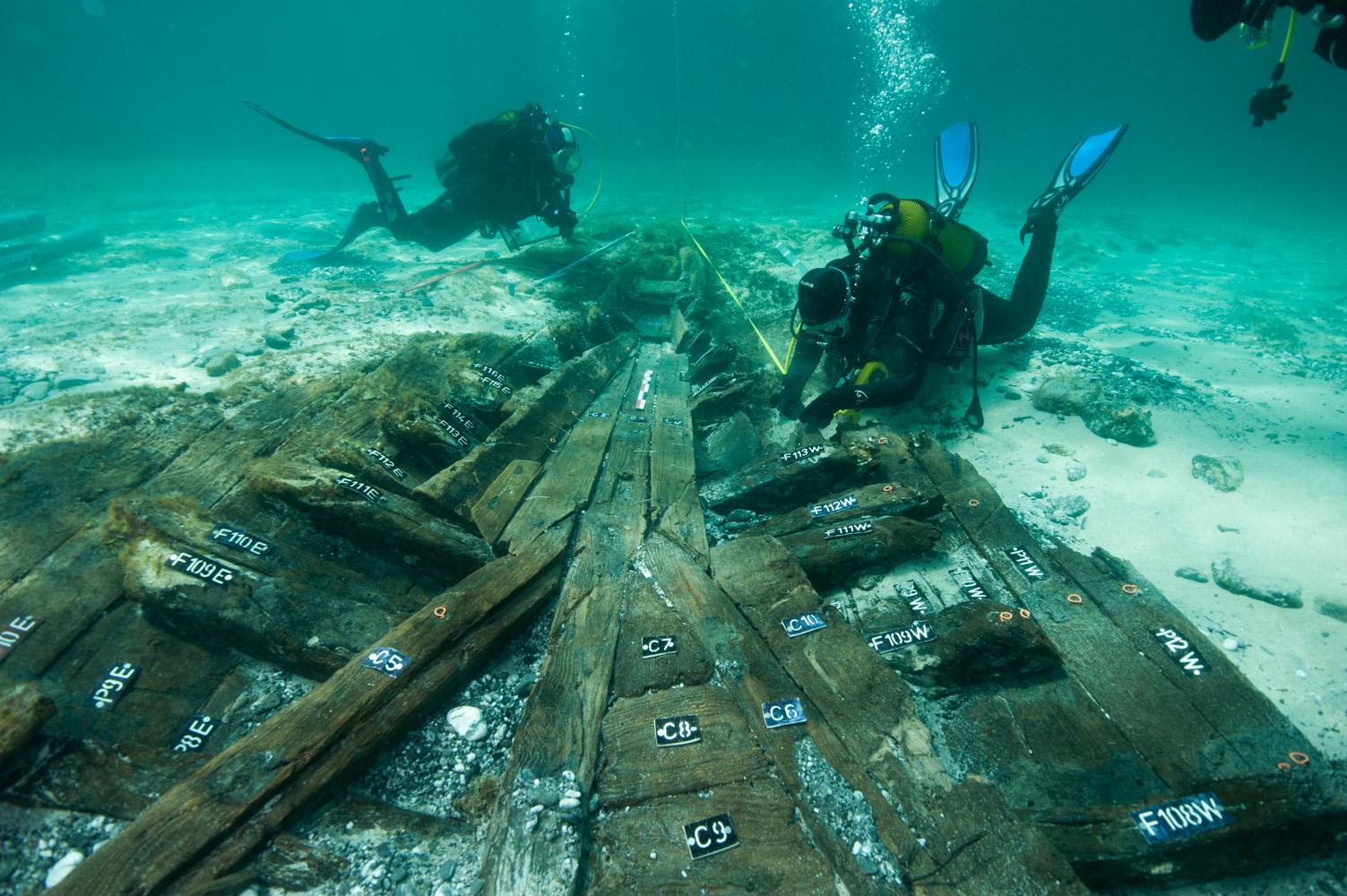 Les premiers mètres dégagés de l'épave de Paragan (Photo ; Lionel Roux)